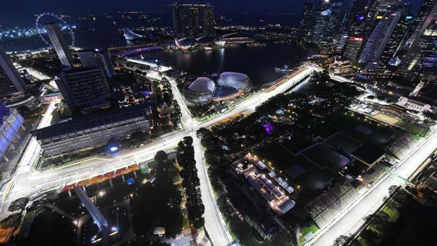 Button cree que el McLaren será el cuarto coche en Singapur