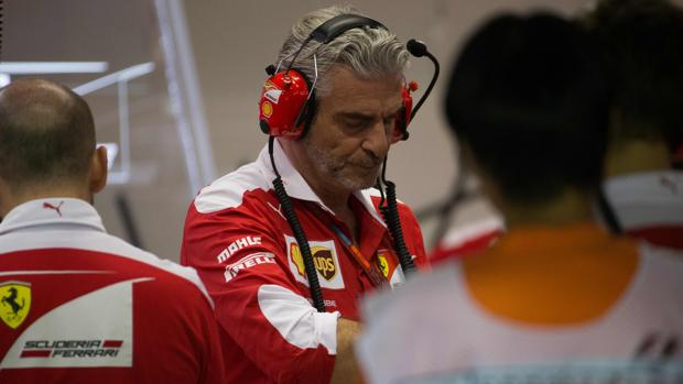 Maurizio Arrivabene, en el garaje de Ferrari