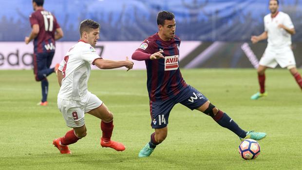 Éibar-Sevilla:  El Éibar salva un empate con nueve
