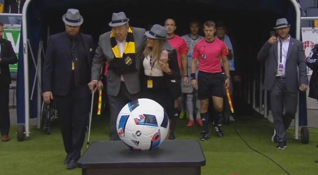 La peculiar iniciativa que intenta recuperar a los abuelos para el fútbol