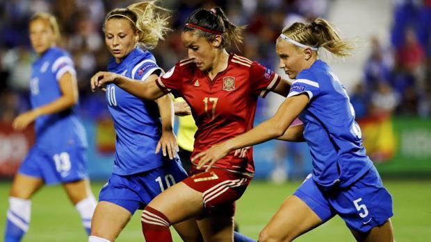 La selección femenina golea a Finlandia