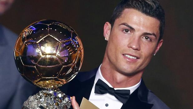 Cristiano, con su tercer balón de Oro, logrado en 2014