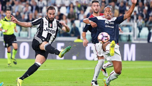 Juventus-Cagliari:  La Juventus aprovecha el pinchazo del Nápoles para regresar al liderato