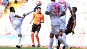 Samuel Eto'o, suspendido por «meter la pata»