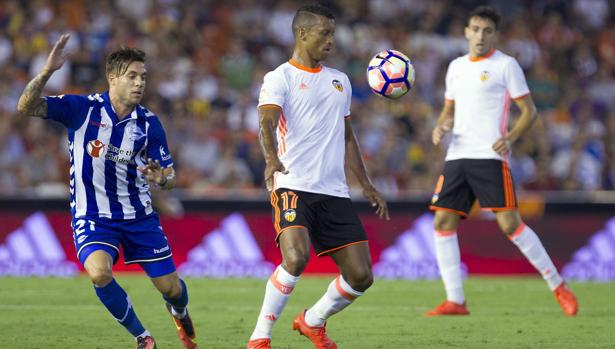 Valencia-Alavés:  El Valencia consigue su primera victoria frente al Alavés