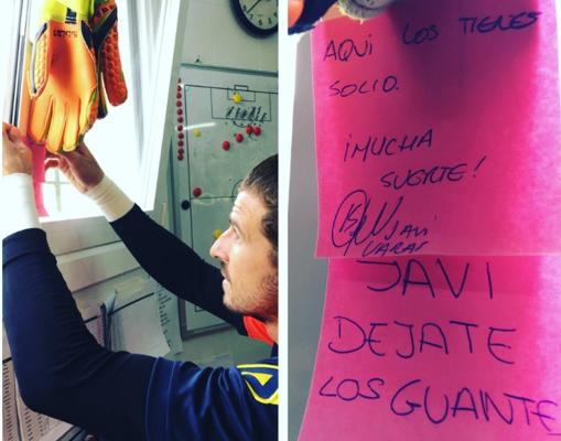 Javi Varas deja sus guantes en el vestuario del Zamudio