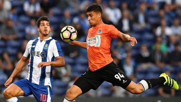 El Oporto gana el derbi con el Boavista e iguala al Benfica en cabeza