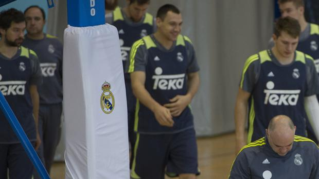 La plantilla del Real Madrid, durante un entrenamiento en Valdebebas