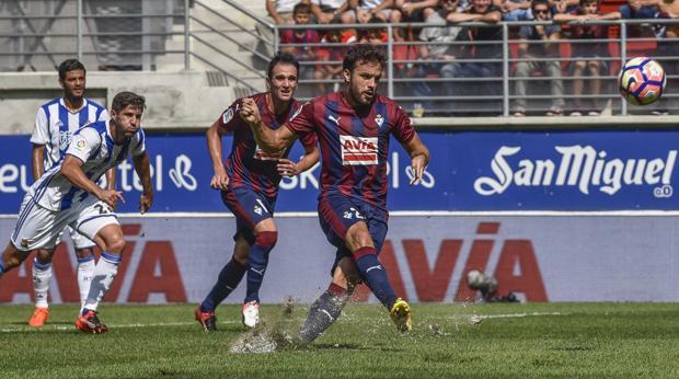 Así ha lanzado Pedro León el penalti