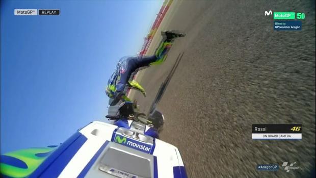 Espeluznante caída de Rossi en la FP3