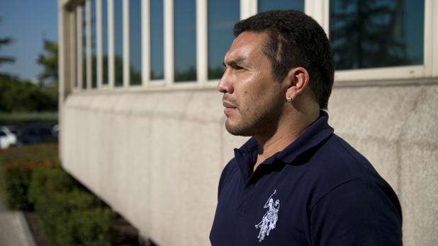 Salvador Cabañas, posando en la sede de ABC tras la entrevista