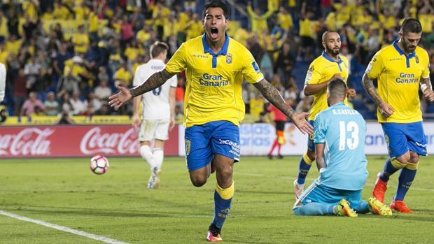 Sergio Araujo celebra su gol ante el Real Madrid en el duelo de Liga del pasado sábado