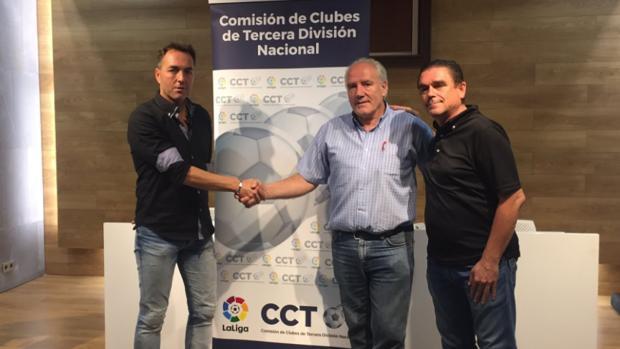 Óscar Garvín, presidente, Juan Antonio Cabrero, delegado en Navarra, y Nacho Leiva, vicepresidente