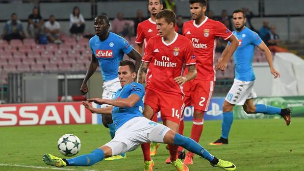 El Nápoles se deshace del Benfica