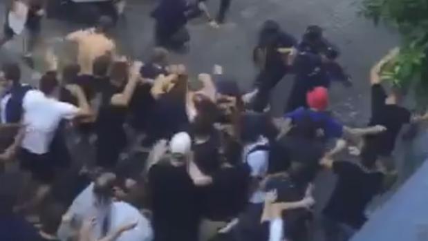 El presidente del Lyon denuncia que la policía española pegó a sus hinchas