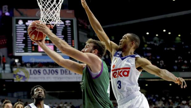 Real Madrid Unicaja:  El Madrid gana sufriendo al Unicaja