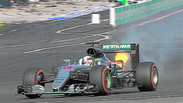 Fórmula 1 | GP de Malasia:  Fuego en el Mercedes