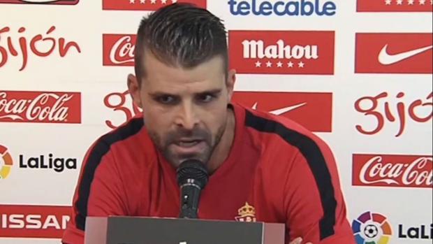 El Sporting condena los insultos de «Pichu» Cuéllar