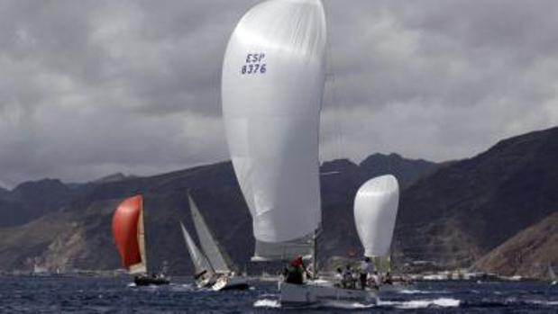 Unas 30 embarcaciones en Tenerife