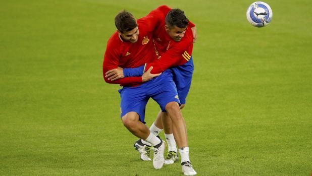 Morata y Diego Costa, en el entrenamiento de la selección en Turín