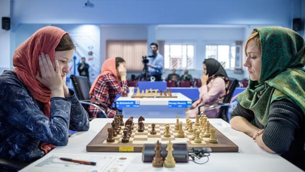 Pogonina y Zhukova, en el Grand Prix de Teherán