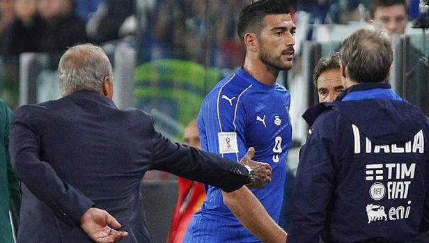 Pellè, expulsado de la selección italiana por llamar «trozo de mierda» a Ventura
