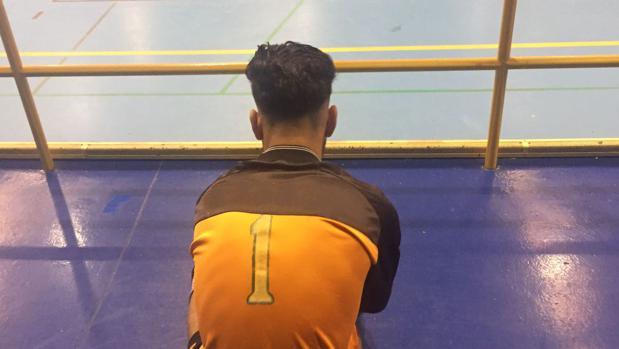 Uno de los menores inmigrantes que espera la ficha de la Federación para poder jugar al fútbol