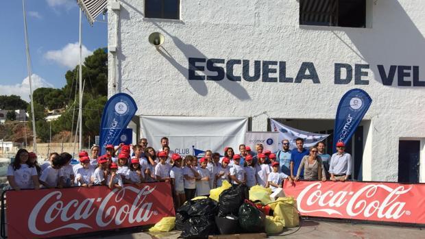 Jávea se apunta al programa de Ecomar y Coca-Cola de limpieza de costas
