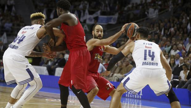 Real Madrid-Olympiacos:  Llull guía el debut victorioso del Real Madrid