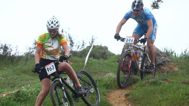 Dos ciclista de MTB