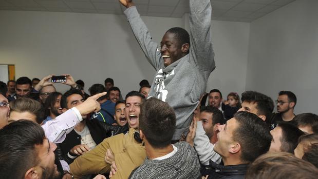 Los jugadores de la Cultural Leonesa celebraron este viernes el emparejamiento en Copa con el Madrid