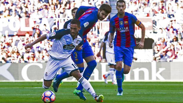 Piqué, en el partido contra el Deportivo
