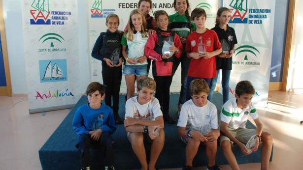Felipe Sánchez, Marco Sánchez, Adriana Serra y Susana Ridao, campeones del I Trofeo Hispanidad de Optimist