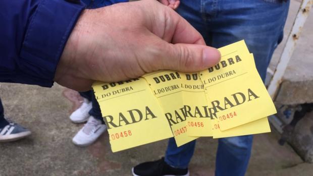 Las entradas que tuvo que pagar la directiva del Club Silva SD