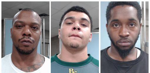 L-R, Chazerae Taylor, 38, D'markeo Taylor, 19, and Dvonta Middlebrooks, 21, los tres acusados por el asesinato de Trinity Gay