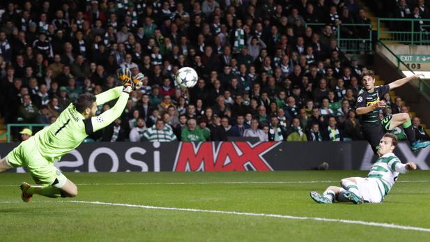Celtic-Gladbach:  La presión del Gladbach minimiza al Celtic