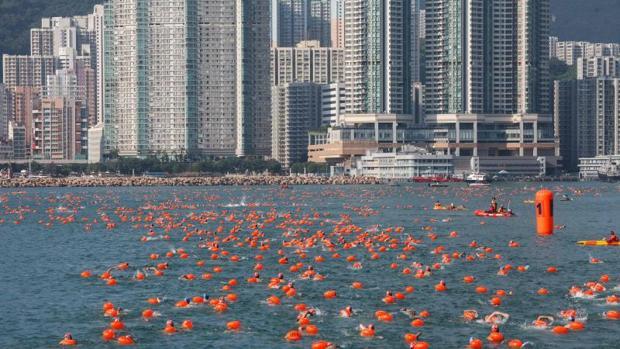 La misteriosa muerte de dos nadadores en el puerto de Hong Kong