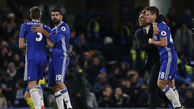 El Chelsea se pone líder de mano de Hazard