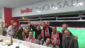 Los actores de «Juego de Tronos» se hacen del Sevilla FC