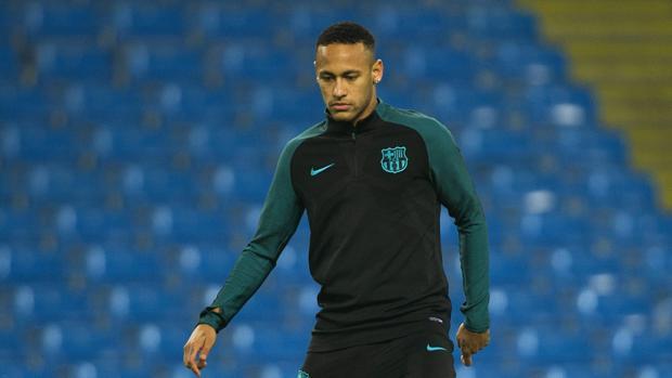 Neymar, durante un entrenamientos con el Barcelona
