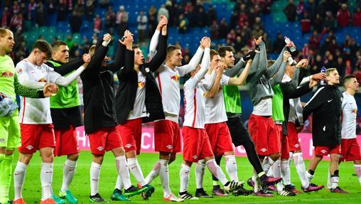 Los jugadores del RB Leipzig celebran su triunfo en la última jornada