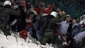 Grecia suspende los torneos de fútbol por un incendio sospechoso