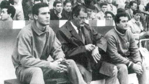 Marcel Domingo, en el centro, en su etapa en el Córodoba