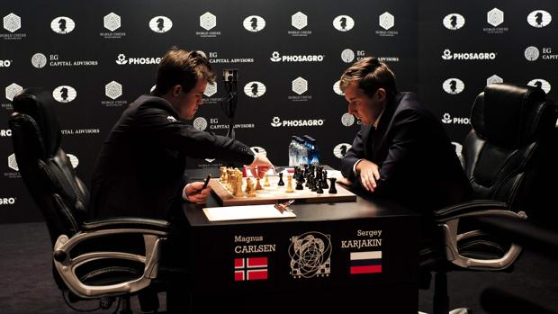 Carlsen-Karjakin:  Carlsen y Karjakin firman tablas en la primera partida del Mundial