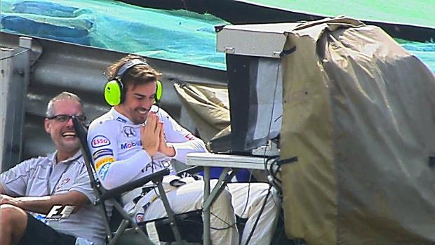 Alonso, de la silla a la cámara