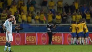 Brasil aleja a Argentina del Mundial