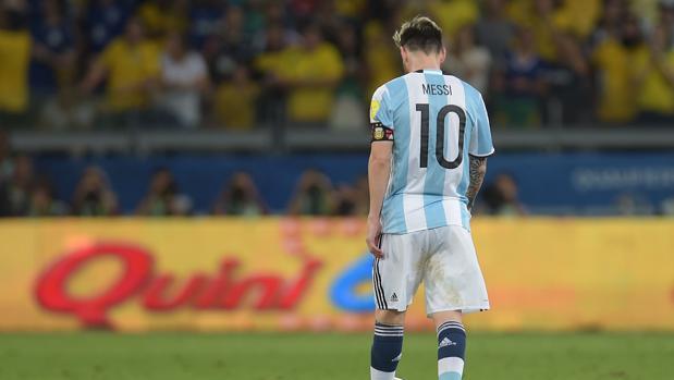 Argentina estalla contra Messi y sus compañeros