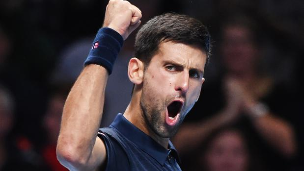 Djokovic remonta y se apunta la primera victoria