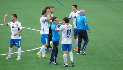 Los jugadores del Borja celebran el resultado