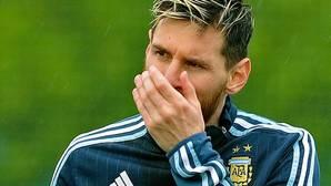 Susto de Messi en el vuelo de Argentina
